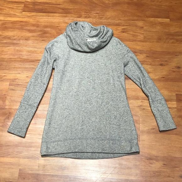 b2210ce79b Cozy cowl neck sweater. M 5b79736912995538f9001c9c